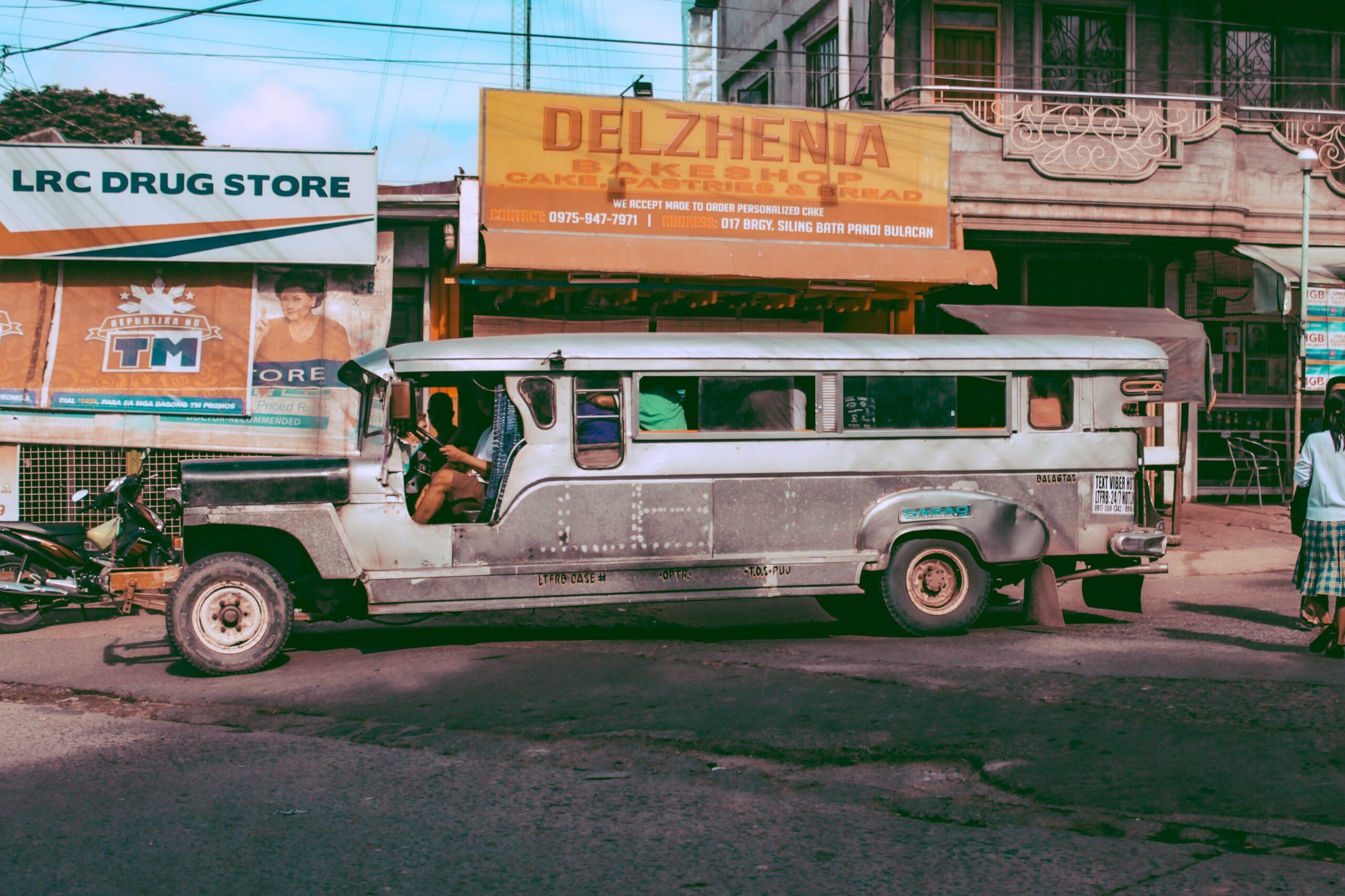Un bus local pour le transport en commun emprunté lors d'un voyage Amérique du Sud