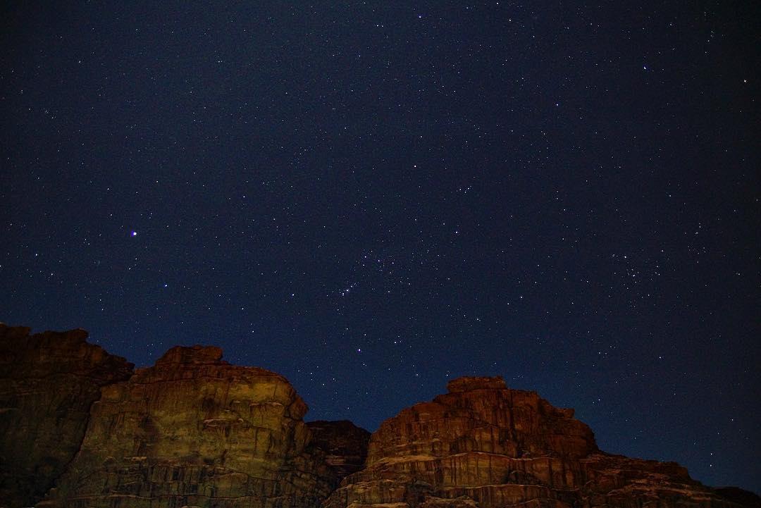Randonner dans le désert du Wadi Rum