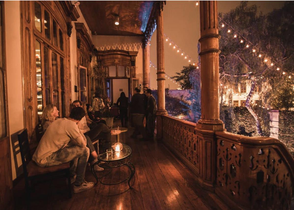 Un bar salon-boutique à Lima
