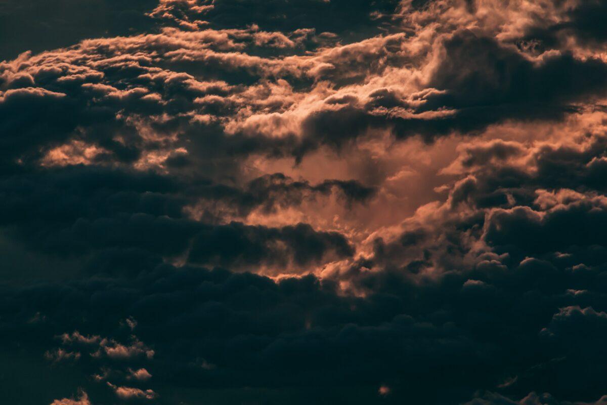 orage ciel gris rosé à bali