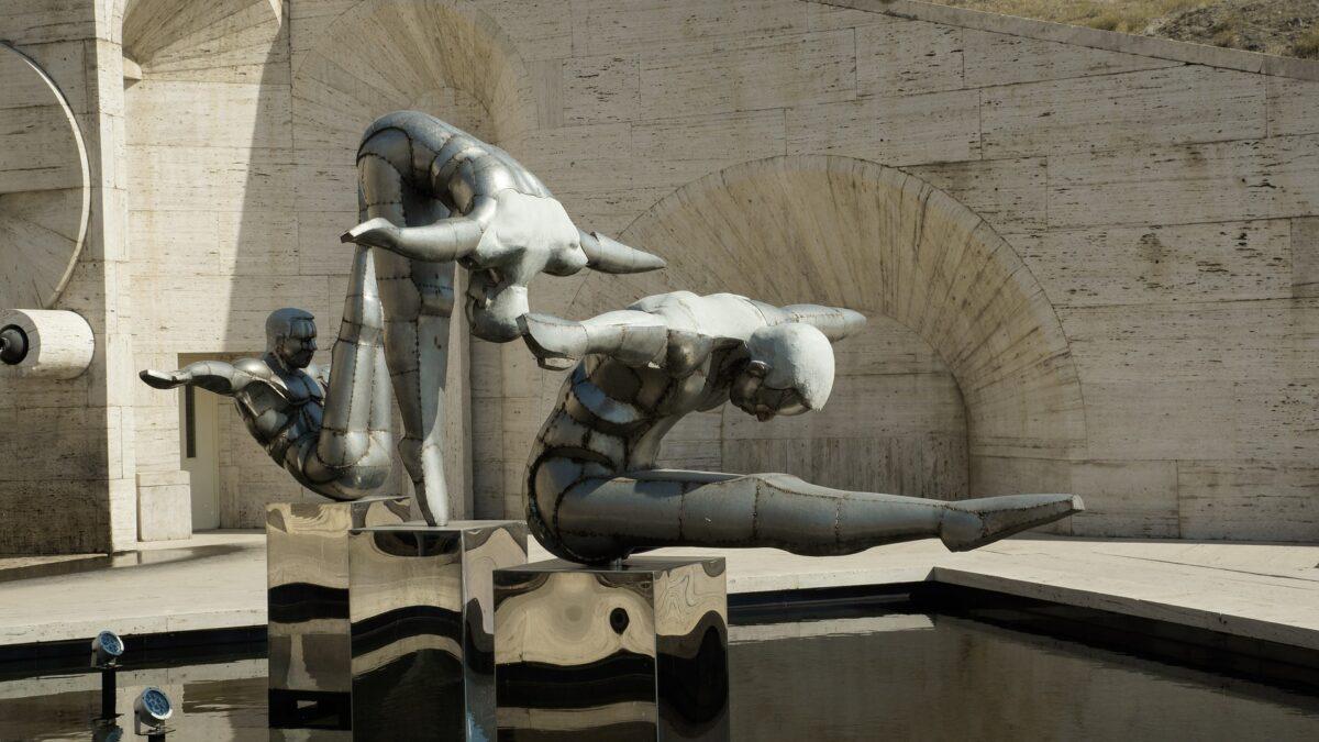 statues d'hommes à. Erevan