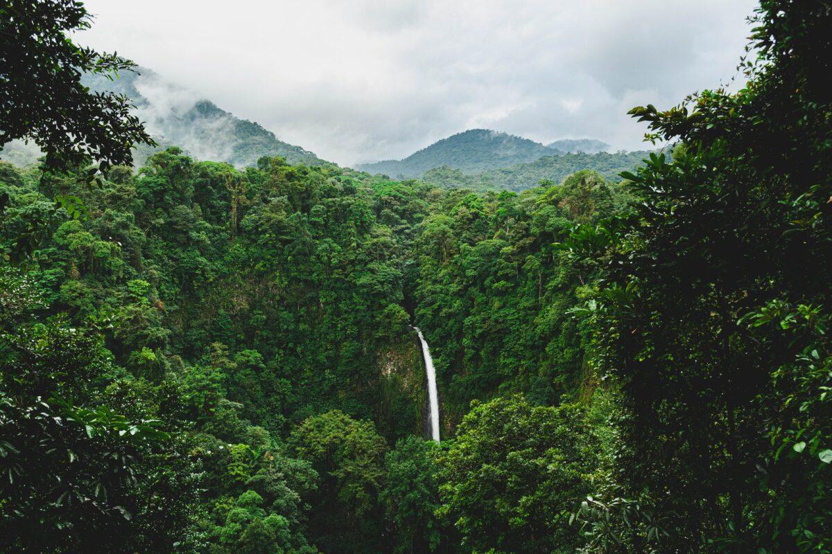 volcano arenal waterfall